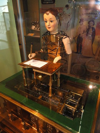 Henri_Maillardet_automaton,_London,_England,_c._1810_-_Franklin_Institute_-_DSC06656